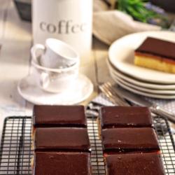Borrachitos de Crema de Higos y Covertura de Chocolate.